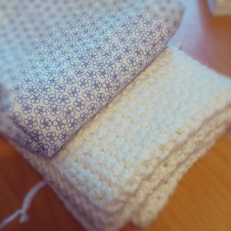 tuto pour coudre la doublure en tissu d 39 une couverture en tricot facile couture pinterest. Black Bedroom Furniture Sets. Home Design Ideas