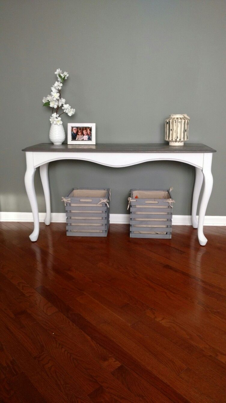 Entryway Table Painted In Linen White Chalk Paint And Gray Stain On Top Painted Table Entryway Tables Refinishing Furniture