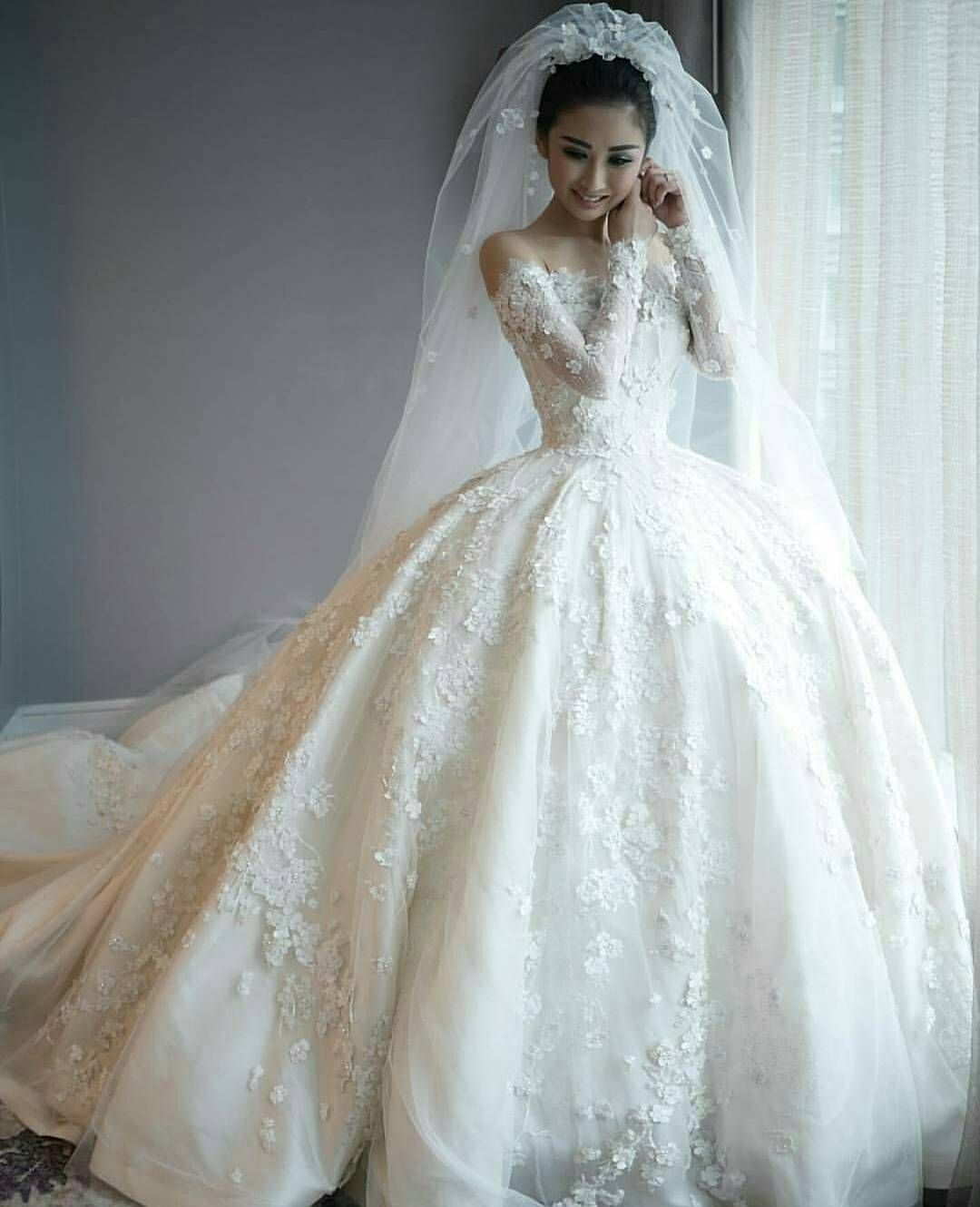 hiantjen we say yes to this dress! #weddingdress #weddedwonderland ...