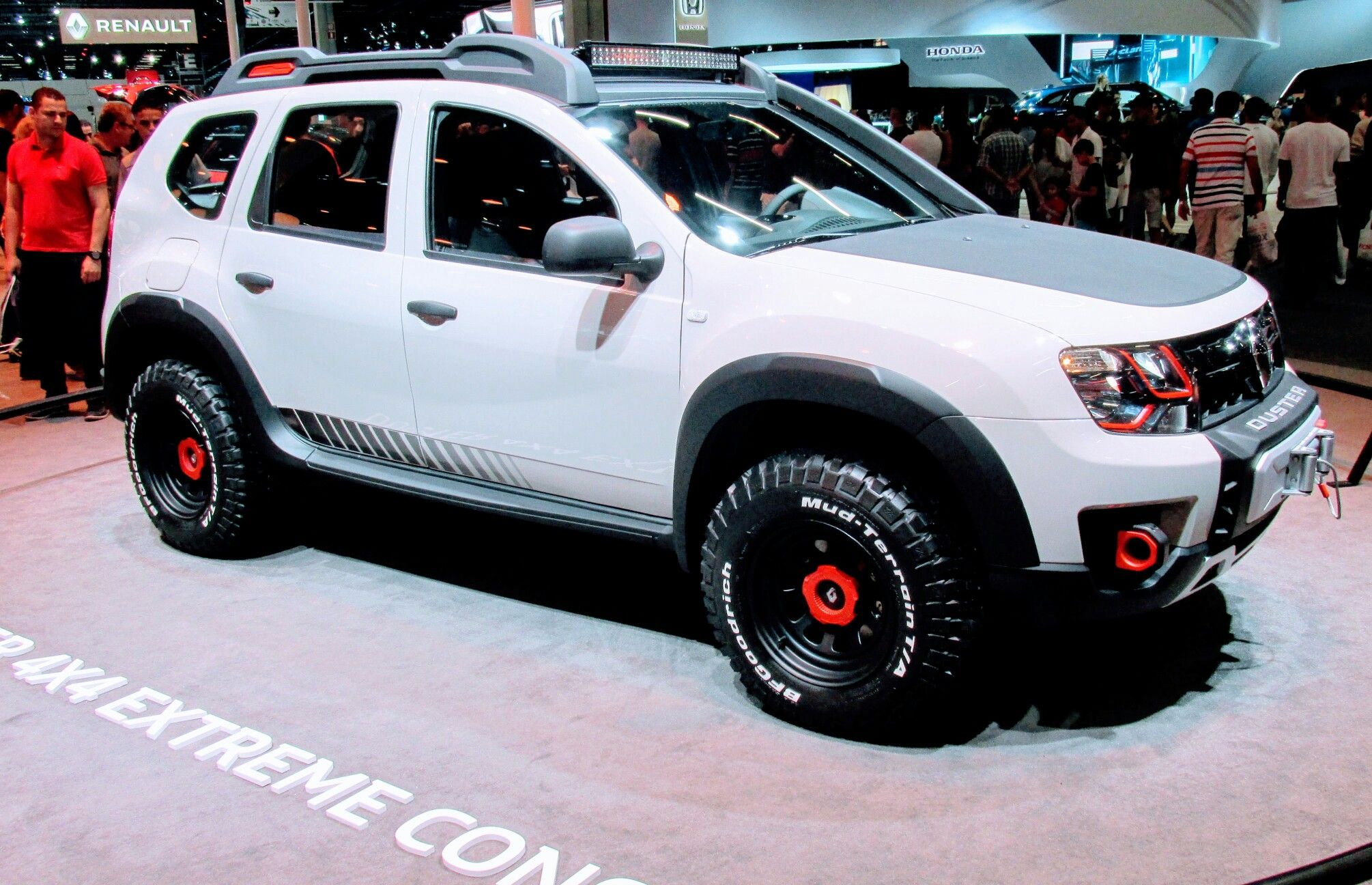 renault duster 4x4 extreme concept duster offroad. Black Bedroom Furniture Sets. Home Design Ideas