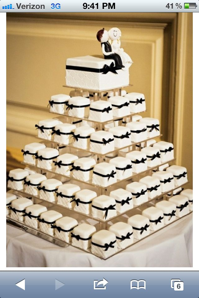 mini wedding cake towers weddingwednesday this simple white 17437