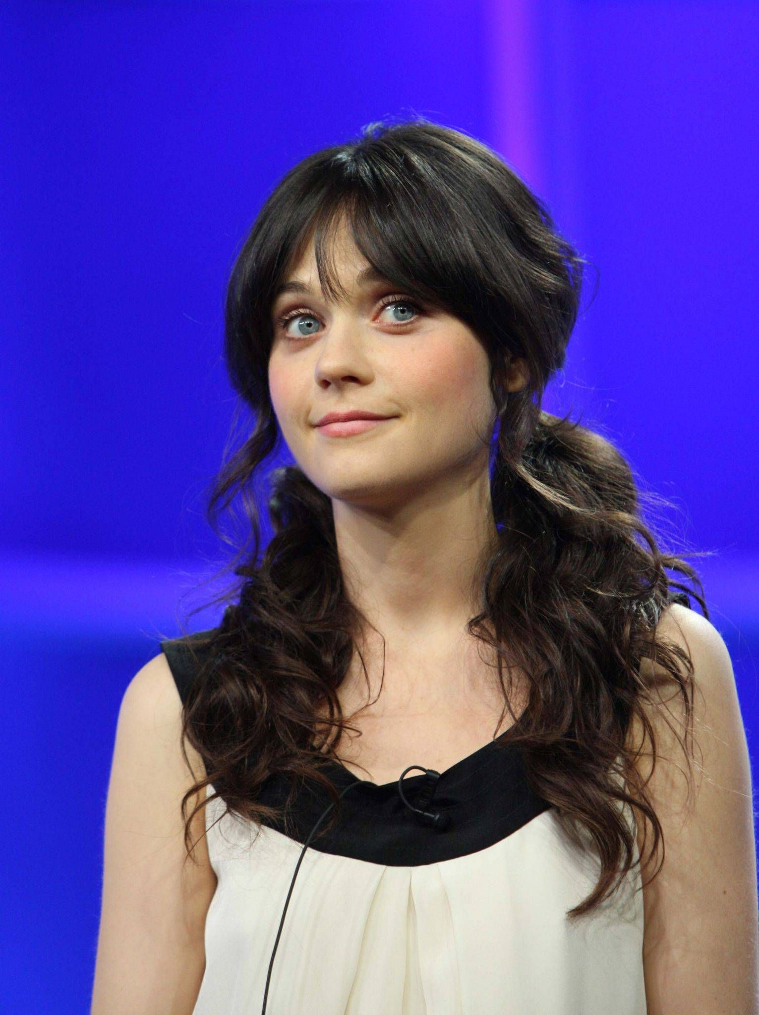 Zooey Claire Deschanel is an American actress, musician born on January 17, 1980 made her film debut in Mumford, followed by her breakout role as Anita Miller in Cameron Crowe's 2000 semi-autobiogr...