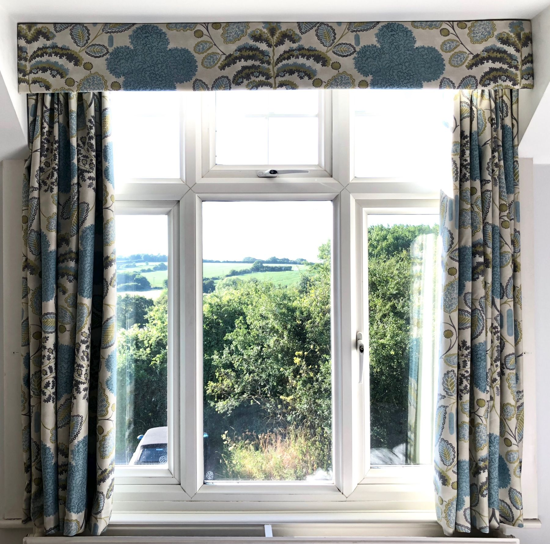 Blackout Lined Pencil Pleat Curtains With Simple Pelmet