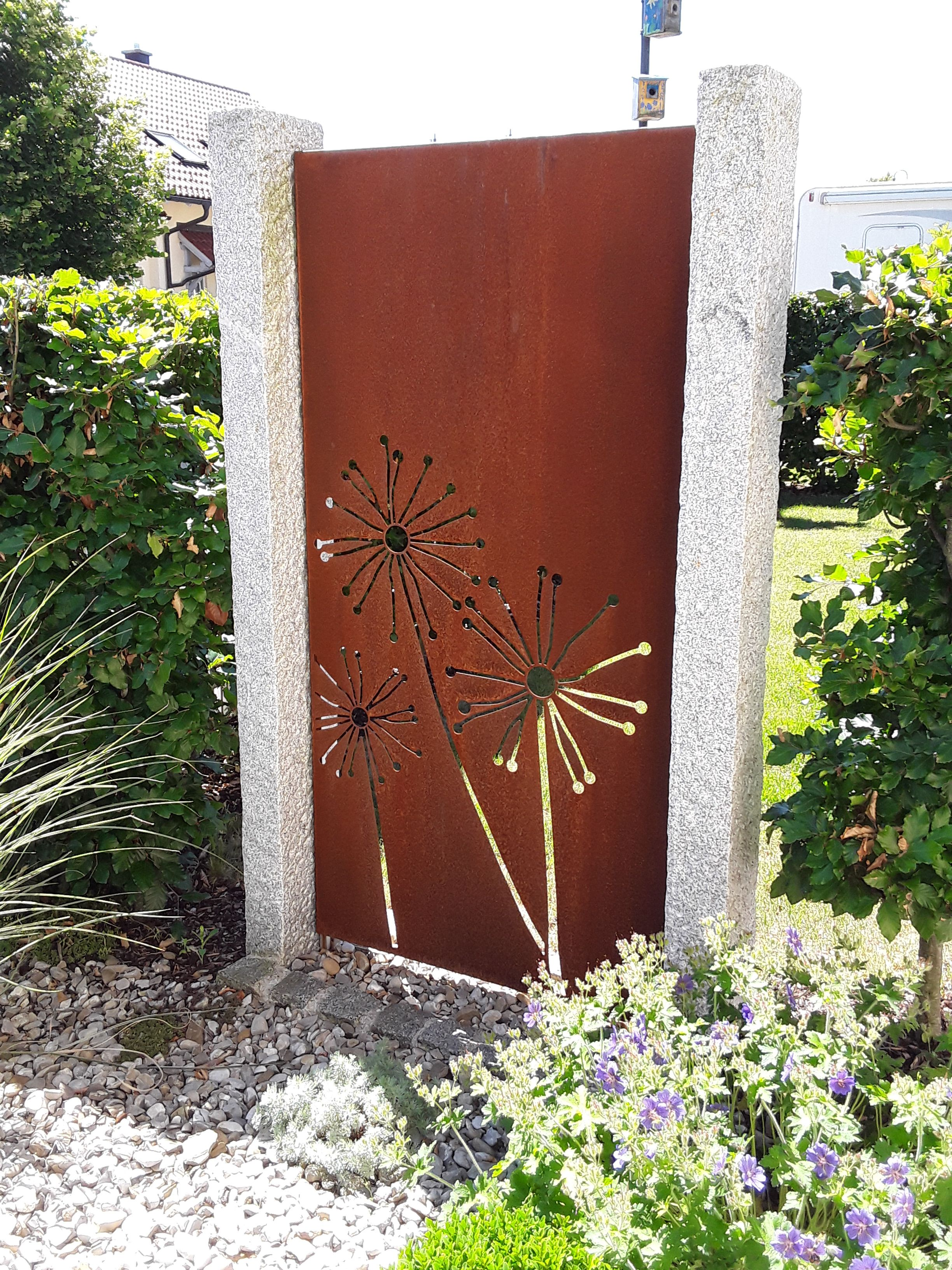 Sichtschutz Für Den Garten Aus Corten Stahl Rost In Farbe Paras Moderne Blumenarrangements Blumenarrangements Einfach Rost Deko Garten