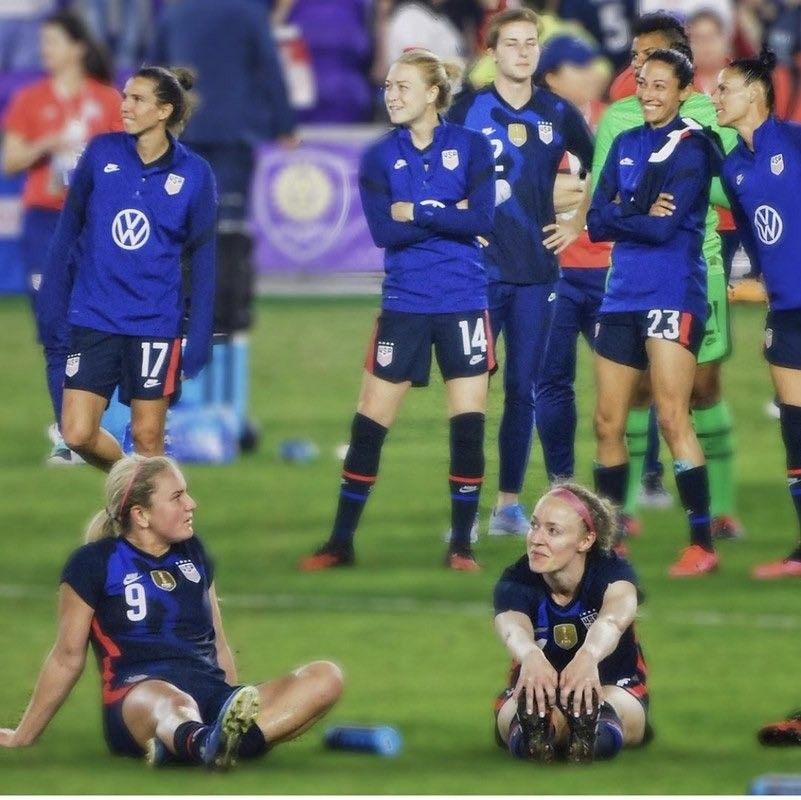 Pin By Elise Molloy On Uswnt In 2020 Uswnt Girls Soccer Team Soccer Training