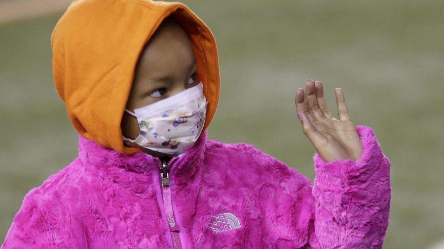 Nfl Player Devon Still Asks For Prayers For His Sick Daughter