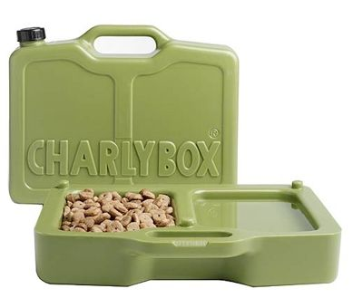 A pup-approved bento box! The Charlybox splits into halves, with one half serving as a 2-liter canteen, and the other two bowls for water and food.
