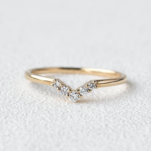 Olivejewellry Custom Curved Wedding Band Moissanite Band