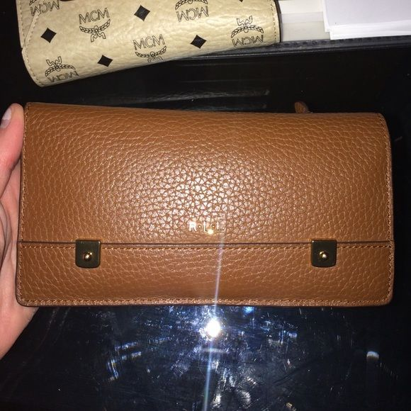 Ralph Lauren wallet Mint condition - Ralph Lauren wallet. Ralph Lauren Bags Wallets