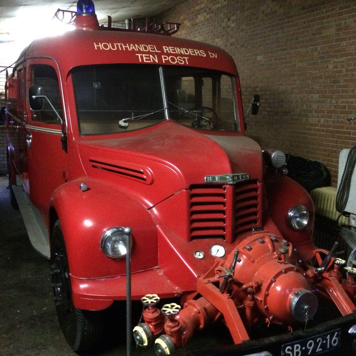 De Soto. Bouwjaar 1956 staat in brandweermuseum Sappemeer.