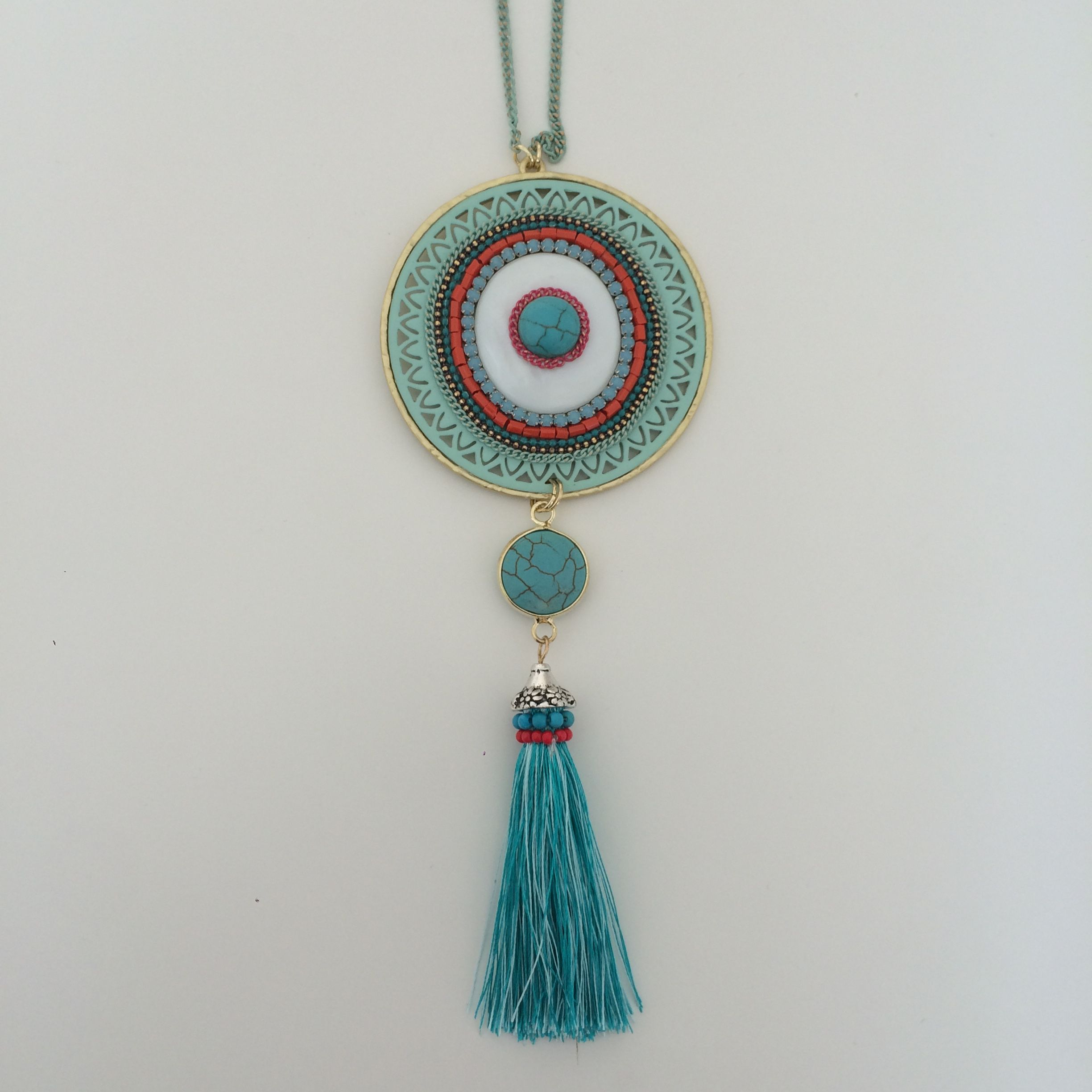 All about Jewellery and more.. Boho necklace, boho jewelry, hippie jewelry, ethnic jewelry, bohemian style accessories, colorful jewelry, colorful hippie necklace Indie Pouch, super trend 2017.
