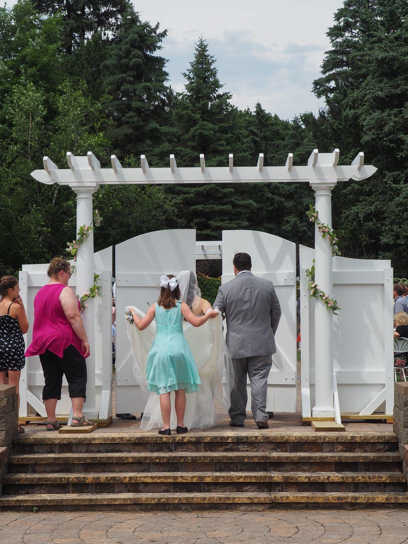 Maddie & Evan's Elegant Outdoor Wedding at The Gardens ...