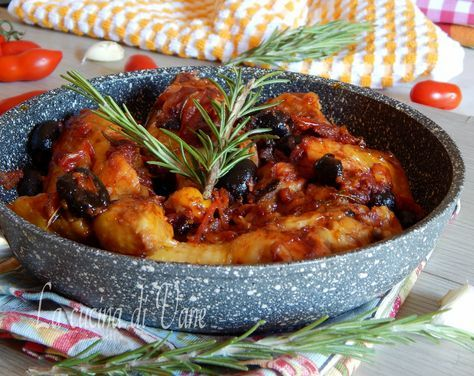 Photo of CHICKEN alla CACCIATORA cooked in a pan, dish with few ing …