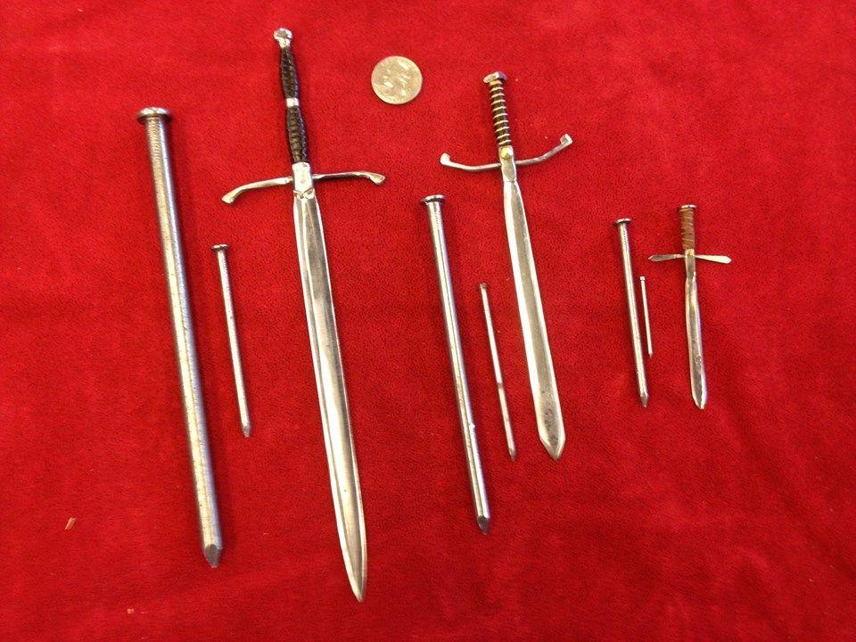 "Miniature /""Sir Thomas Thumb/"" Aged : DOLLHOUSE 1:12 BLACK Hinged Metal Pliers"