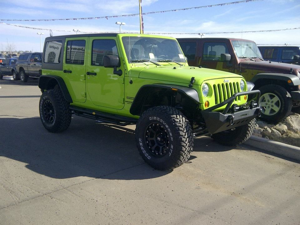 "Capital Dodge Edmonton >> 4 1/2 Pro Comp Lift Kit, Front XRC bumper w/PIAA lights, 35 12.50 R17 Cooper tires, 17"" XD Black ..."
