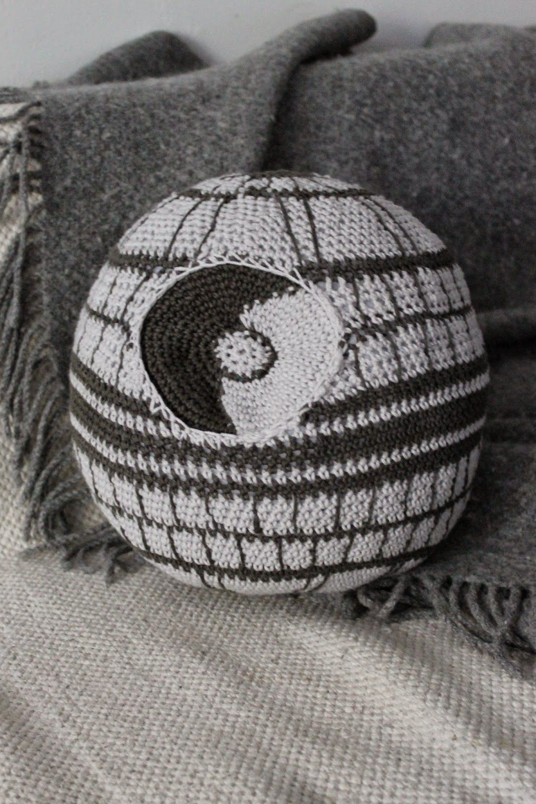 Kaita-Liina: Death Star- Free Crochet Star Wars Pattern (scroll down ...