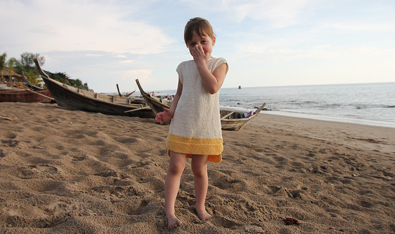 Beach tunic - Pickles. Size 8-9 is a free pattern. Other sizes available for purchase.