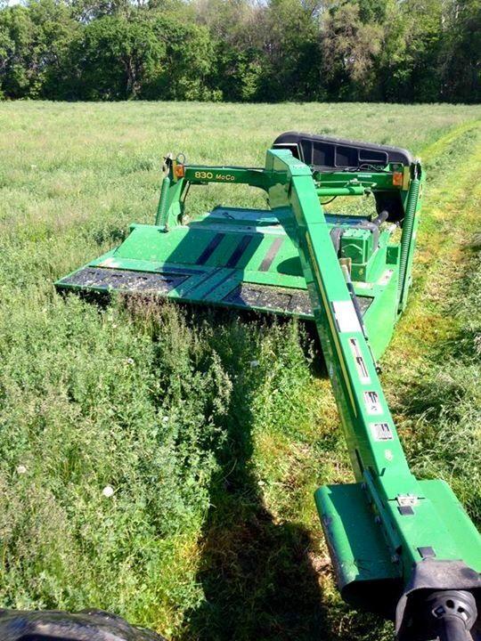JOHN DEERE 830 MoCo Discbine   John Deere   Tractors