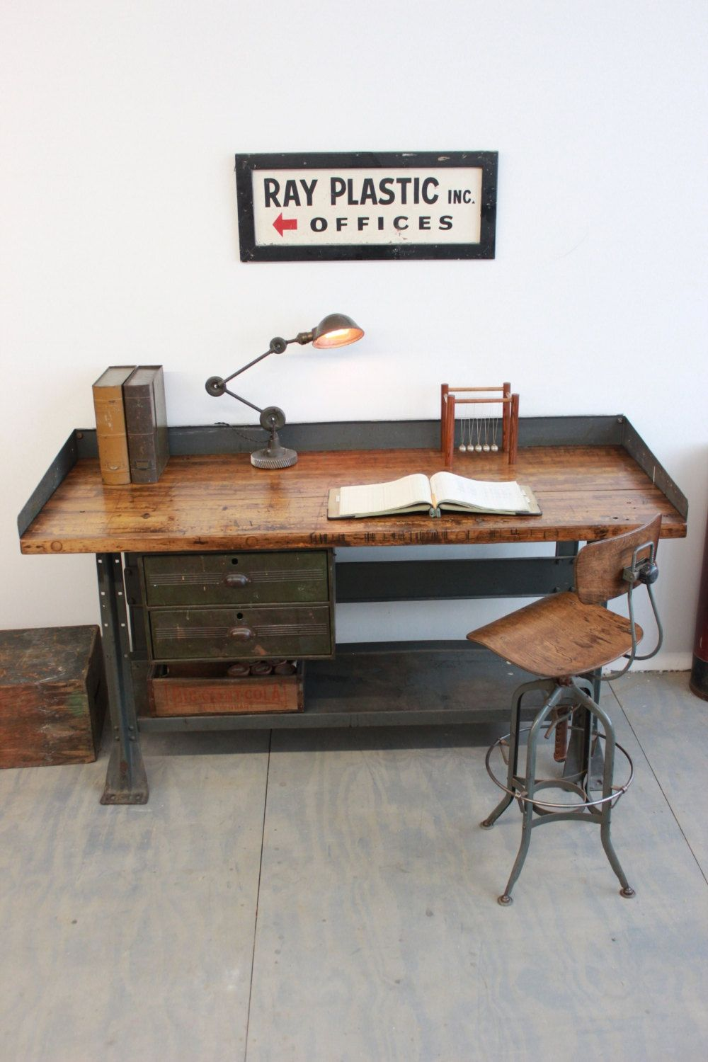 vintage industrial workbench kitchen island desk 1940s On oficina estilo industrial metal y madera