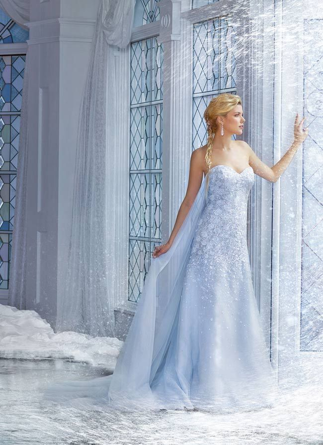 robe de mari e bleue inspir e de la reine des neiges mariage de princesse pinterest. Black Bedroom Furniture Sets. Home Design Ideas