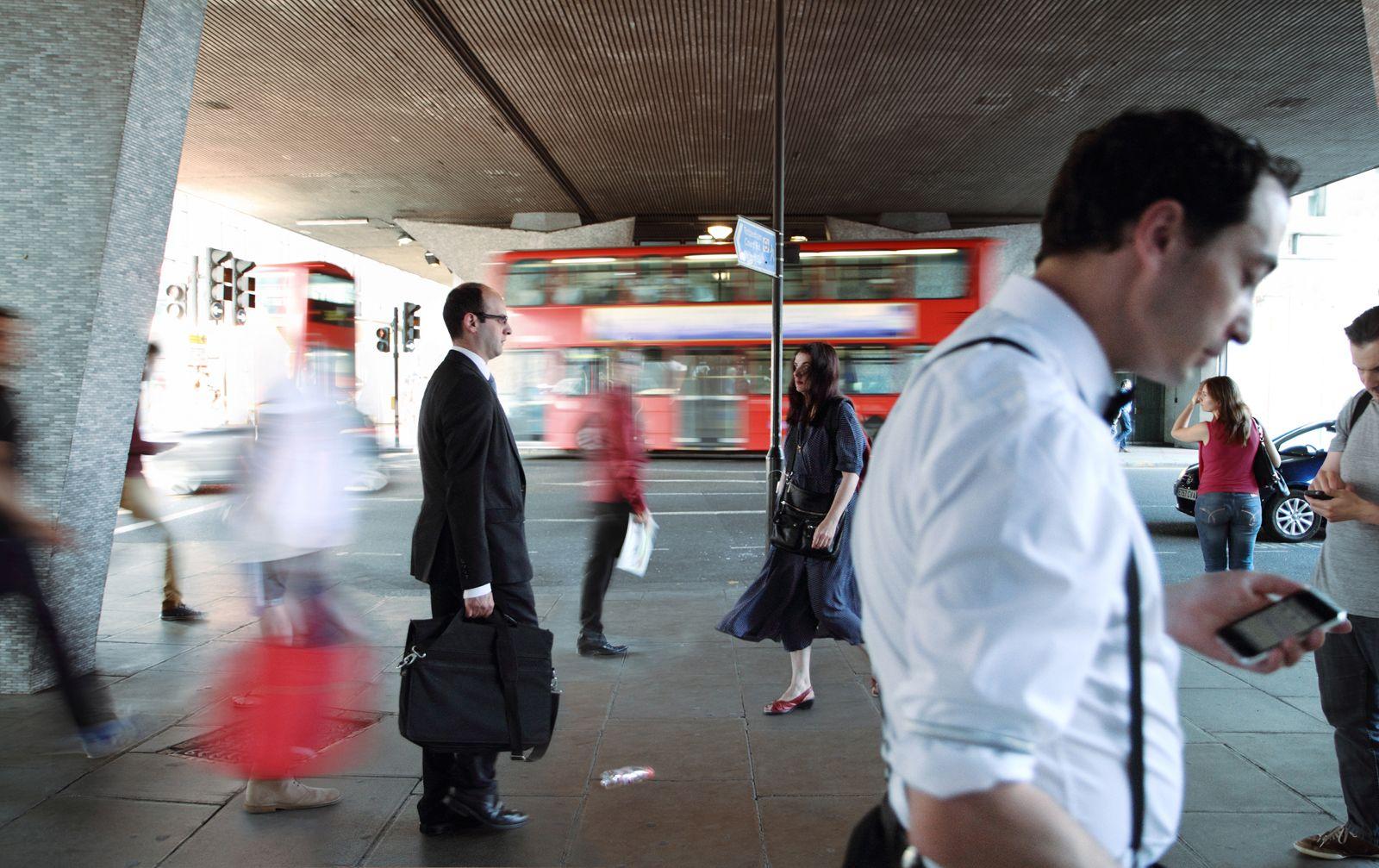 """Post Memories UK 06 2013 From """"Post Memories, Series 2013"""" Cerca de la estación de metro Tottenham Court Road, Londres, UK 120x 75 cm"""