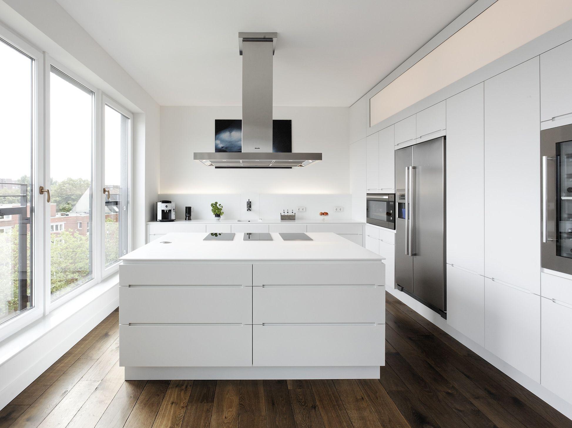 Lackierte Küche mit Kücheninsel mit integrierten Griffe LINEARE by ...