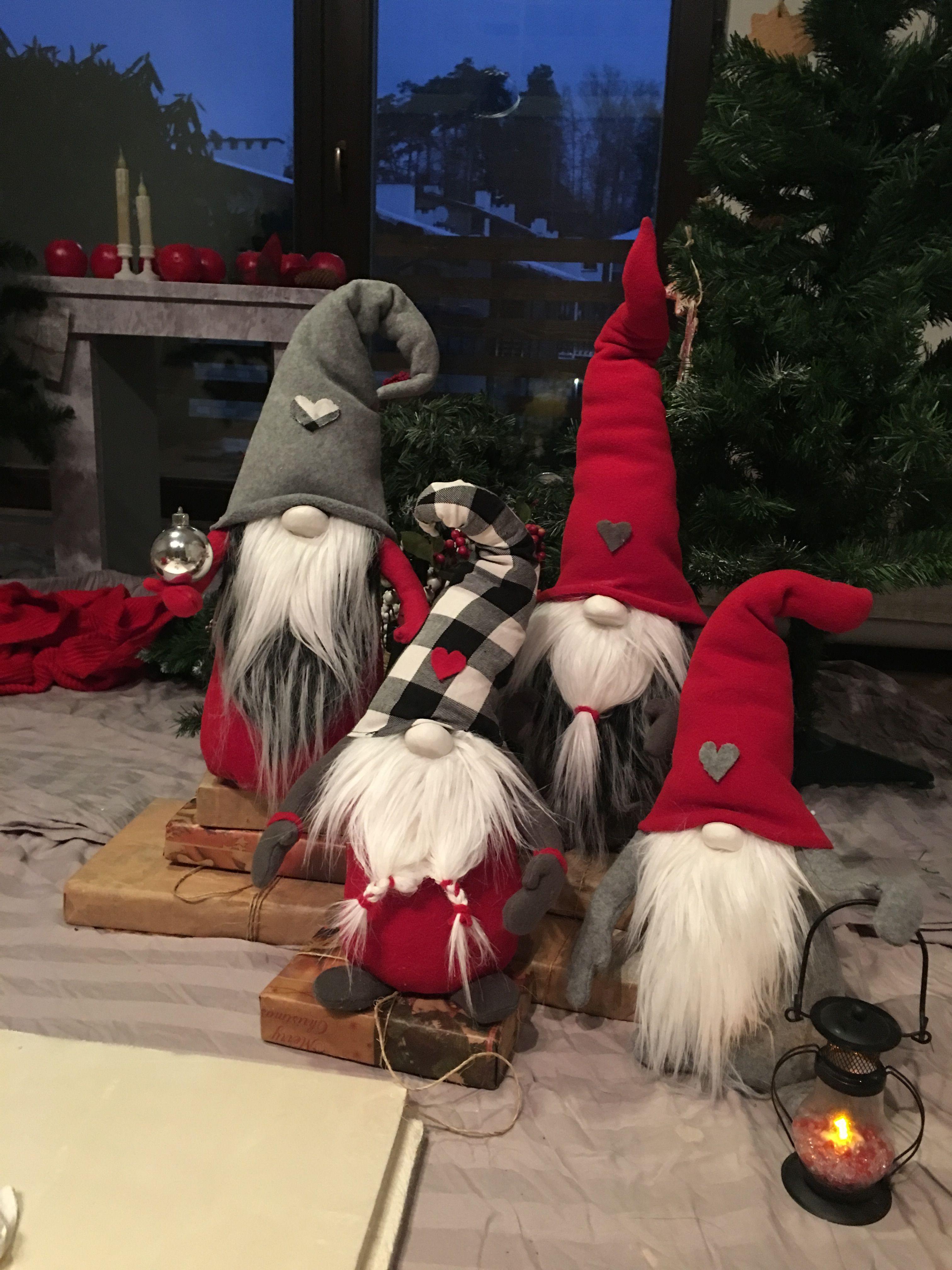 Christmas Gnomes Pinterest.Love These Guys Gnomes Pinterest Navidad
