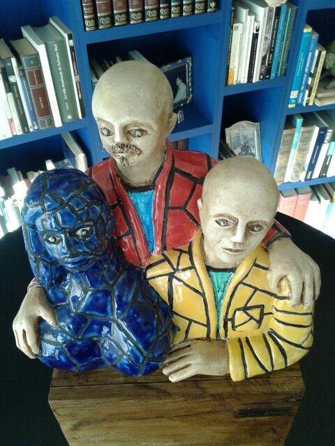 """""""Selfie con muñeca inflable"""". Escultura. Jmazza"""