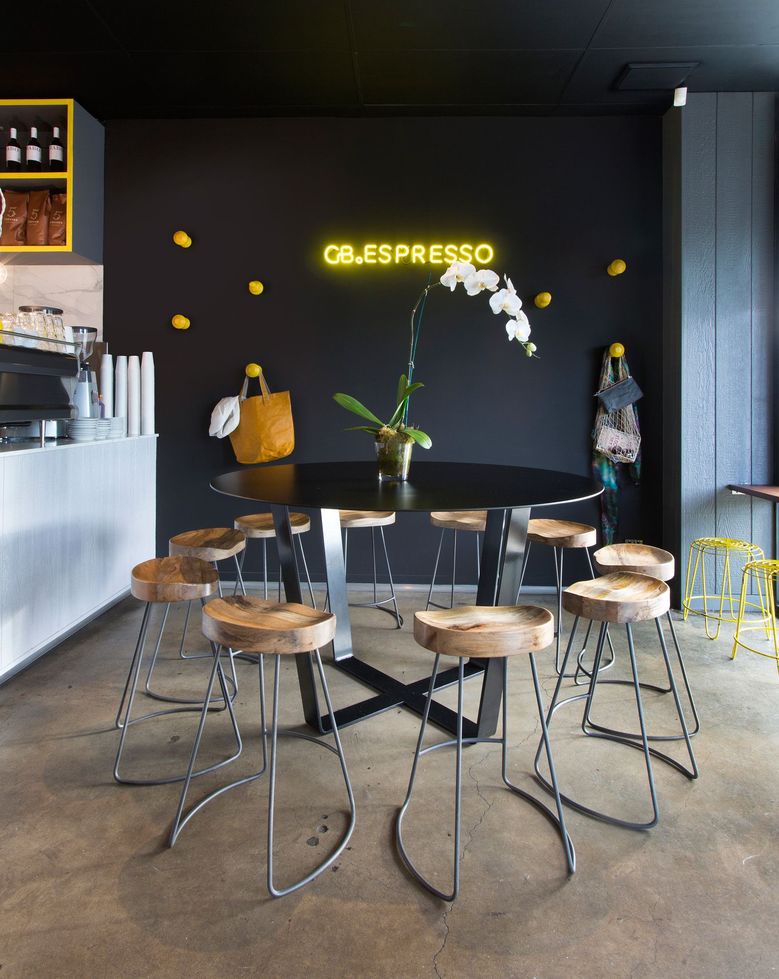 Gb espresso cafe mr mitchell cafe interior design for Comedores almacenes paris