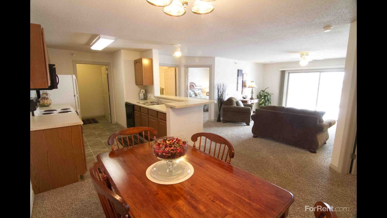 Majestic Cove Apartments For Rent in Apple Valley