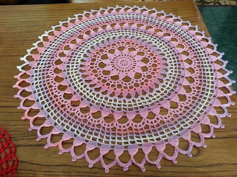 from Magic Crochet #71.   Alize Miss #3705 for this one.   Picture only