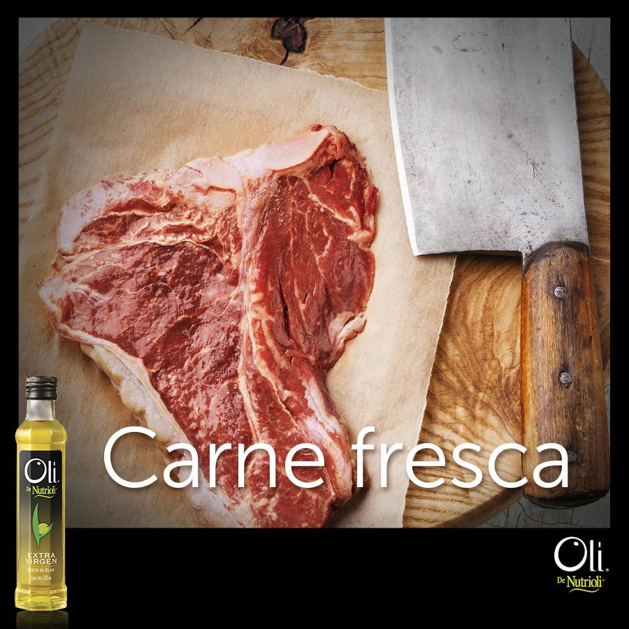 Para elegir carne fresca, fíjate que tenga un color rojo natural y que sus bordes sean de un blanco cremoso.
