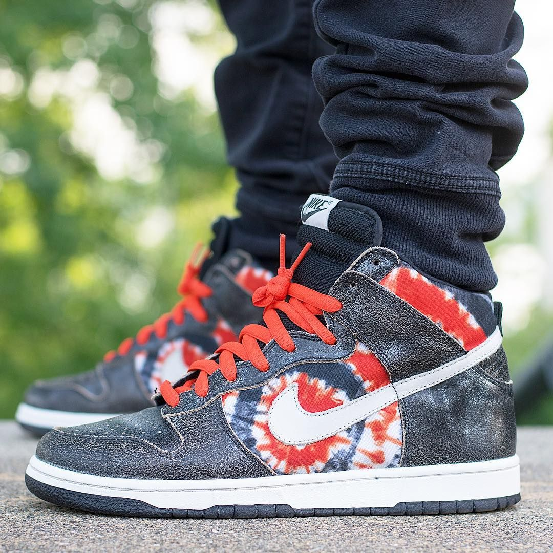 be62ebb29b59f9 HUF x Nike SB Dunk High
