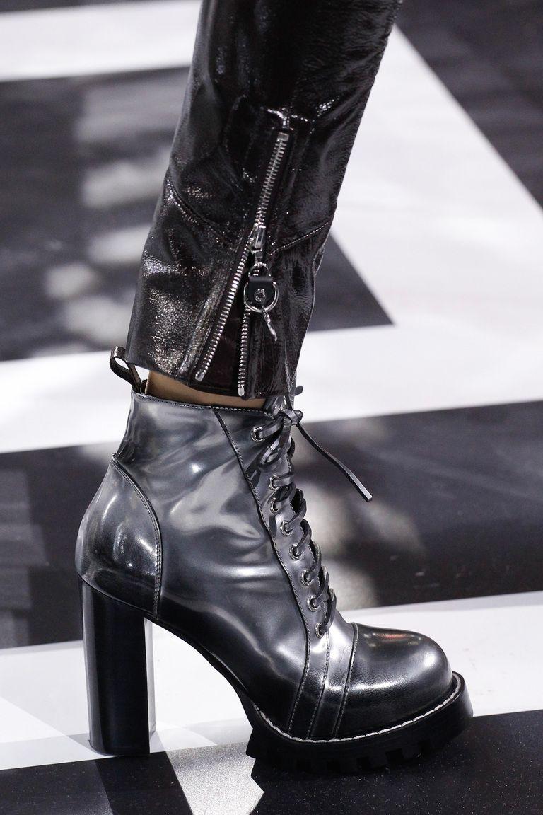 a1bd72d06134 Louis Vuitton in 2019   Louis Vuitton   Shoes, Louis vuitton, Ready ...