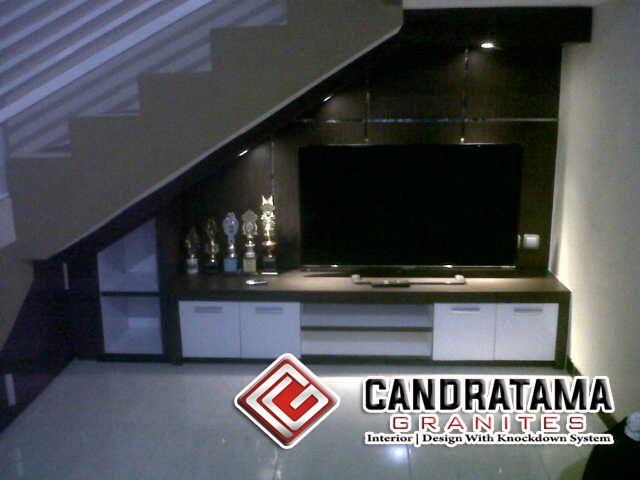 rak tv bawah tangga di 2020 | Interior rumah, Interior, Desain