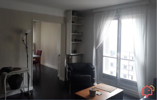 Location De Logements Entre Particulier A Paris 75000 In 2020 Home Home Decor Furniture