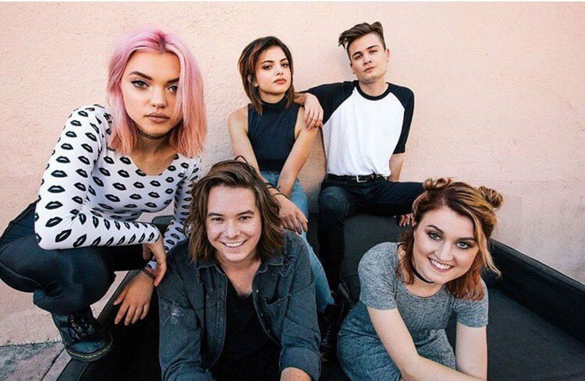 spooky heyviolet upd (@DailyHVUpd) | Twitter