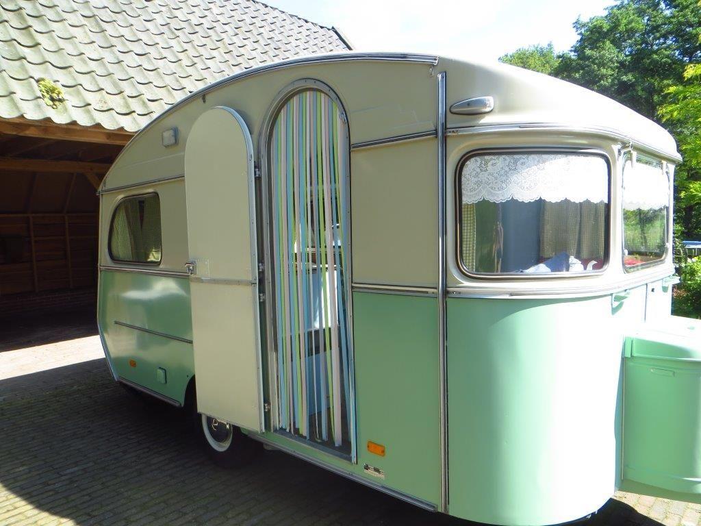 Constructam la caravane de l 39 amoor pinterest caravane r novation caravane et caravanes - Kussen caravan ...