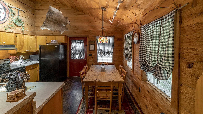 Cabins National Natural Landmark Dismals Canyon In 2020 Cabin Cabin Rules Romantic Cabin