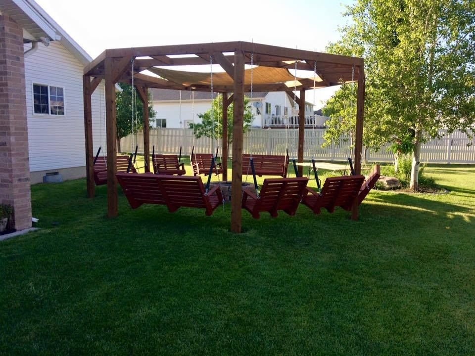 Diy Round Pergola With Firepit And Shade Screen Featured On