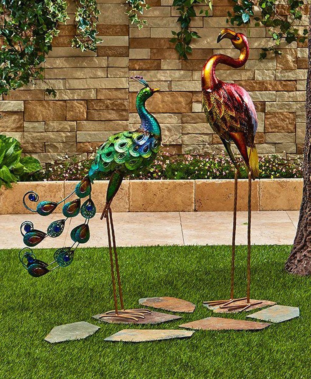 42 Great Outdoor Metal Decor Ideas To Improve Your Garden Bird Decor Garden Statues Flamingo Garden