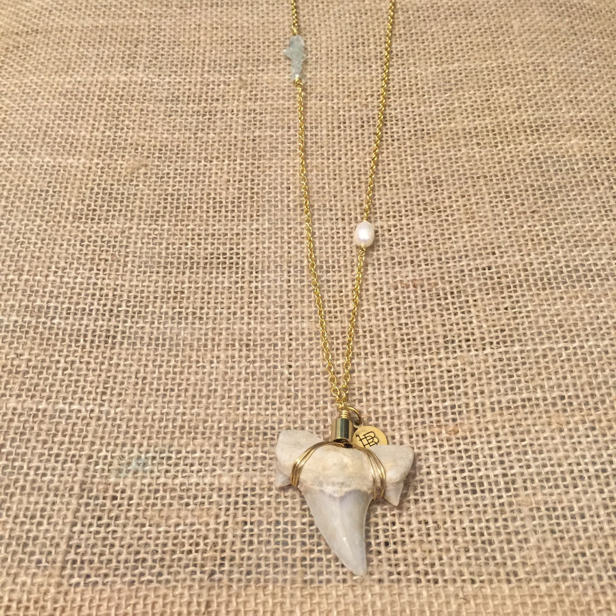 shark hammerhead pendant necklace