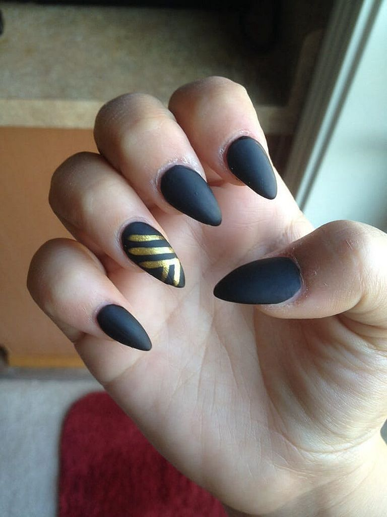 130+ Beautiful Black Acrylic Nails Design Ideas