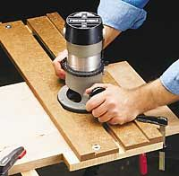 Adjustable dado router jig this woodworking plan appeared in adjustable dado router jig this woodworking plan appeared in shopnotes magazine no 20 greentooth Images