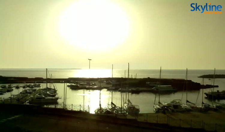 Live Cam Harbour of Le Castella in Isola Capo Rizzuto Capo