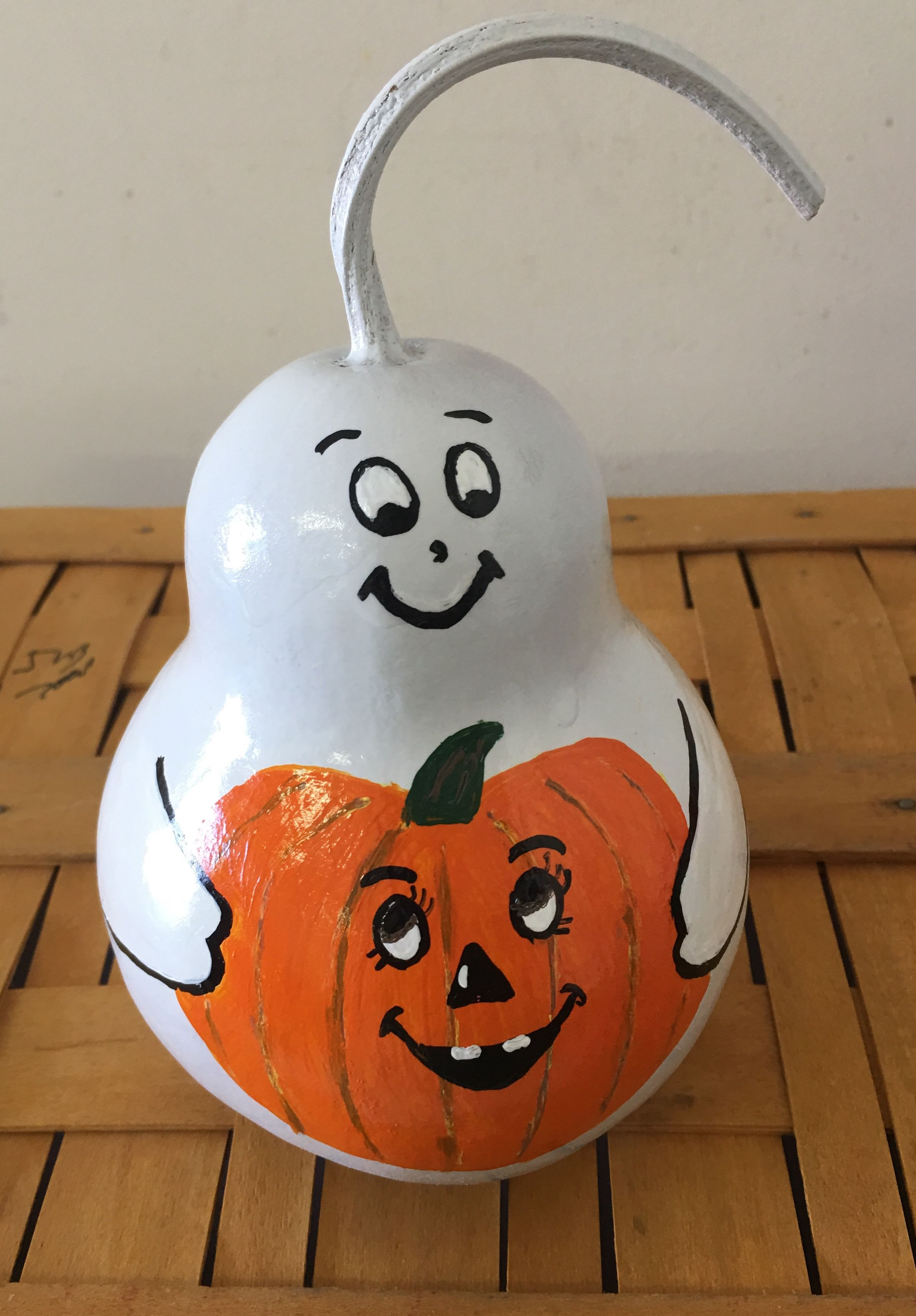 Gourd Ghost Holding A Pumpkin By Margie Vollenweider 6 19 Hand Painted Gourds Decorative Gourds Painted Gourds