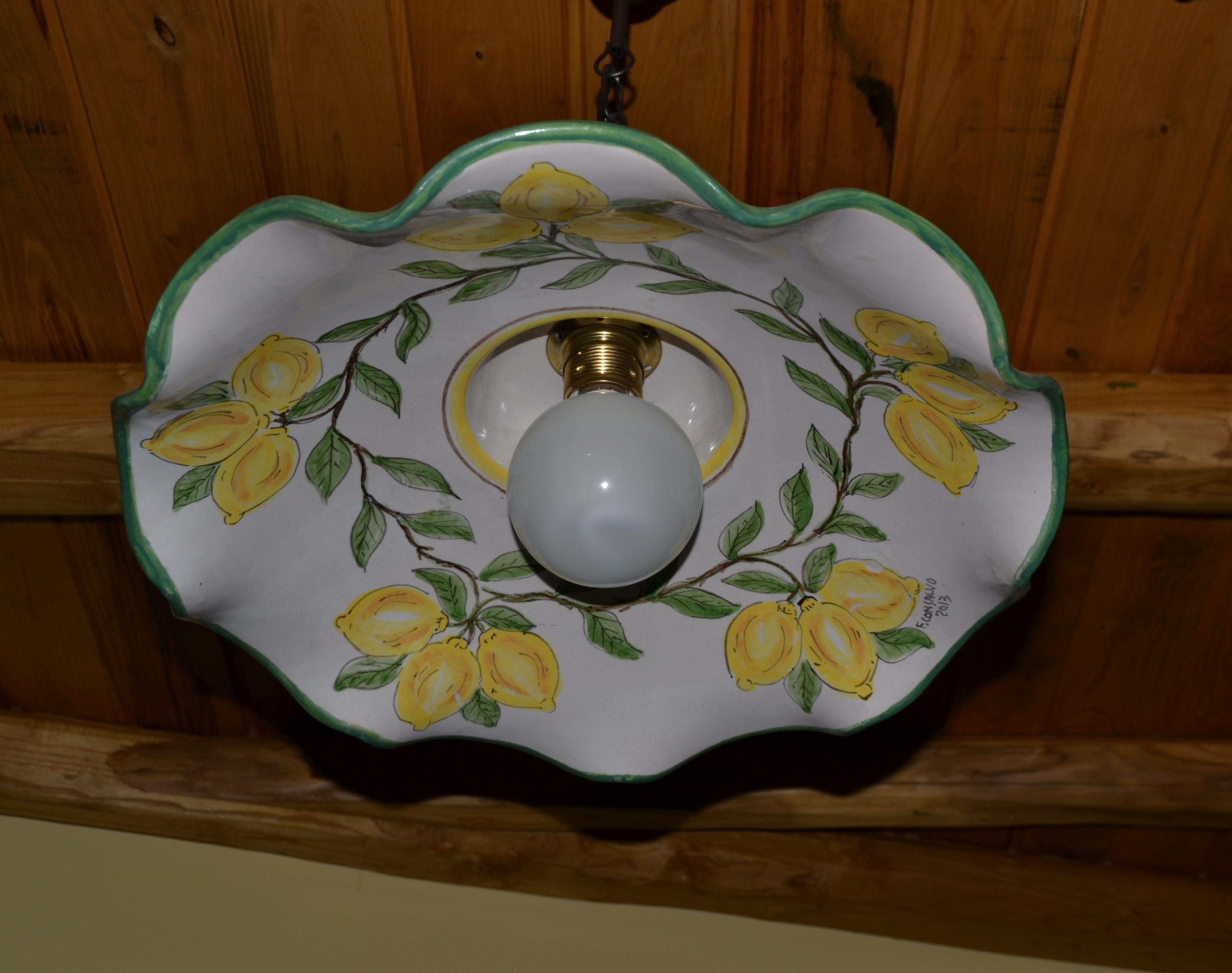 Particolare lampadario in ceramica dipinto a mano - cucina soggiorno ...