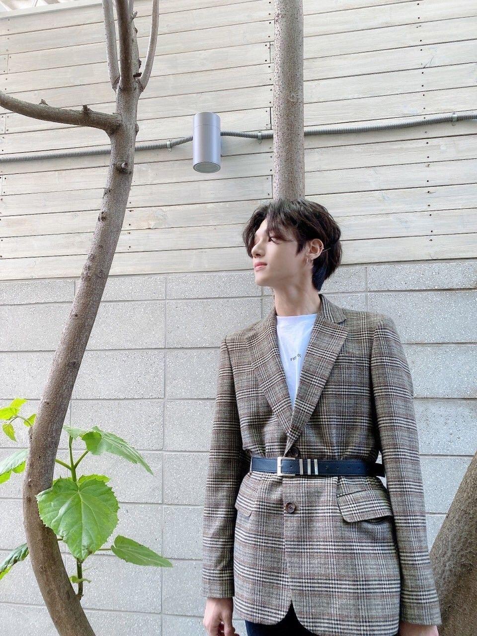우영 Wooyoung