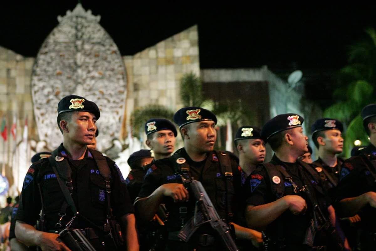 2002年10月12日に起きたバリ島爆弾テロ事件の10周年追悼式典。 爆弾 ...