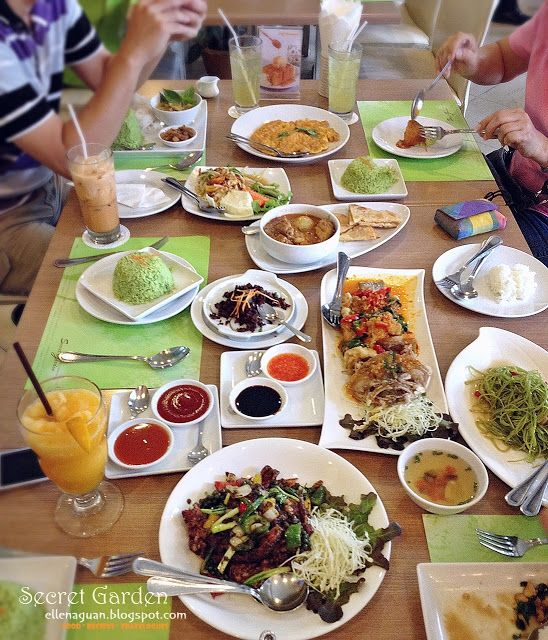 Day 4 Lunch At Secret Garden Thai Cuisine And Bakery Food Singapore Food Food Blog